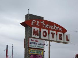 El Trovatore Motel, Kingman (Near Yucca)