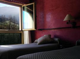 Hotel Lena, Pola de Lena