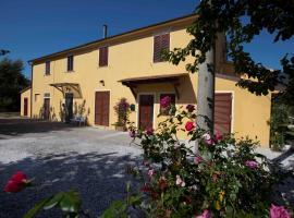 B&B Casale Le Rose, San Giuliano Terme (Mezzana yakınında)