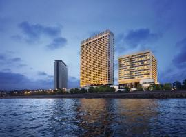 The 10 best hotels near Royal Consulate General of Saudi Arabia in