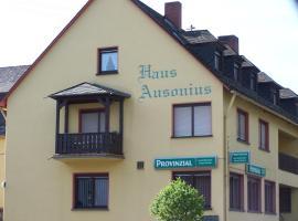 Haus Ausonius, Oberfell