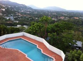 Hill Top Kingston Jamaica, Kingston (Golden Spring yakınında)