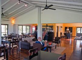 Irupe Lodge, Colonia Carlos Pellegrini