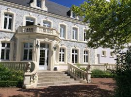 Hostellerie De Le Wast - Château Des Tourelles, Ле-Васт (рядом с городом Belle-et-Houllefort)