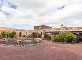 Hotel Rural Restaurante Mahoh, Villaverde (La Oliva yakınında)