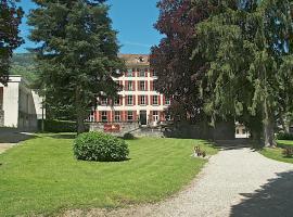 Hôtel du Parc, Альвар
