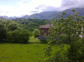Casa Rural el Valle la Juquera, Ortiguero (Canales yakınında)