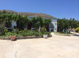Mihalis Studios, Карпатос (рядом с городом Menetaí)