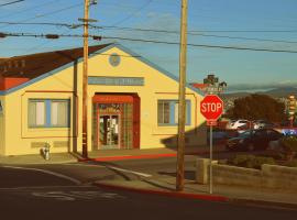 HI Monterey Hostel