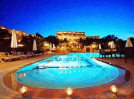 Crithoni's Paradise Hotel, Алинда