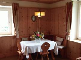 Apartments Pausa, Montagna (Redagno yakınında)