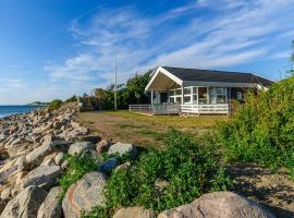 Stenene 101 Holiday House