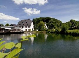 Malteser Komturei Hotel / Restaurant, Bergisch Gladbach (Blissenbach yakınında)