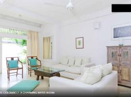 Colombo 7 - A Charming White Room