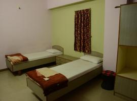 Hotel Sunlight, Himatnagar (рядом с городом Dhansura)