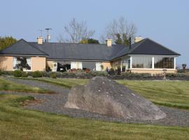 Lakeshore Lodge B&B