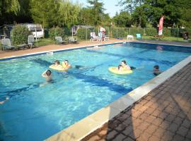 Team Holiday - Camping Les Catalpas, Fumel