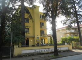 Residence Il Rampicante, Monticelli Terme (Vigatto yakınında)
