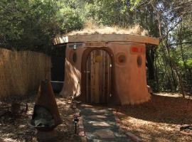 Hobbit Hut, Geyserville