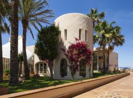 因維薩卡拉維爾德俱樂部酒店, Es Figueral Beach