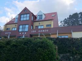 Hotel y Cabañas Complejo Turistico los Alamo