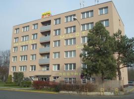 Hotel Milotel, Olomouc (Kocourovec yakınında)