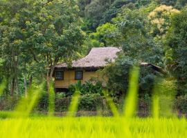 Hmong Hilltribe Lodge, Mae Rim