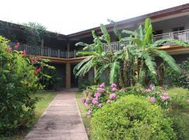 Yim Saan Hotel, Belmopan (Roaring Creek yakınında)