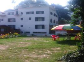 Hotel Grand Jigar, Сринагар (рядом с городом Durgjan)