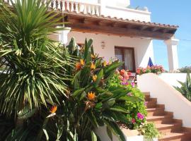 Apartamentos Ferrer, Es Figueral Beach (Illa de Tagomago yakınında)