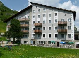 Hotel Grischuna, Bivio (Salategnas yakınında)