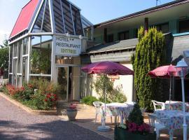 Hotel Restaurant Les Deux Sapins, Cailly-sur-Eure (рядом с городом La Croix-Saint-Leufroy)