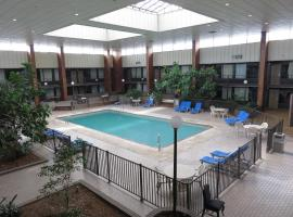 Diamondhead Inn & Suites