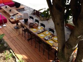 BBQ Lodge, Camogli (Portofino Vetta yakınında)
