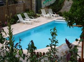 Inter-Hotel Laval Est du Commerce, Веж (рядом с городом Montsûrs)
