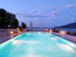 Smyros Resort , Πούλιθρα