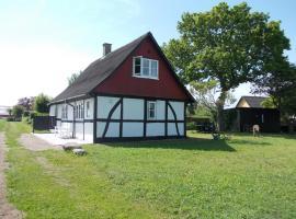 Paradiset Holiday House, Blans (Askø By yakınında)