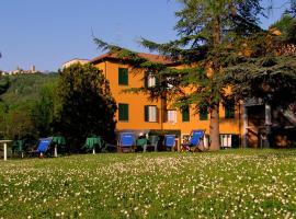 Park Hotel, Salice Terme (Rocca Susella yakınında)