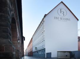 Five Reasons Hostel & Hotel