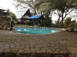 Stoney Creek Resort, Namboutini