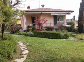 Villa La Quercia, Padenghe sul Garda (Monte yakınında)