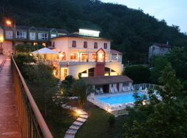 Logis Hotel Restaurant du Pont, Ambialet (рядом с городом Saint-Cirgue)