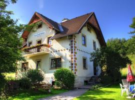 Villa Löcker, Mariapfarr (Bruckdorf yakınında)