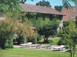 Country House, Zerbolò (Gropello Cairoli yakınında)