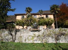 Antico Glicine B&B, Maslianico (Vacallo yakınında)
