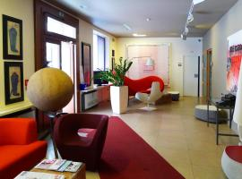 Hotel Colombia, Triest