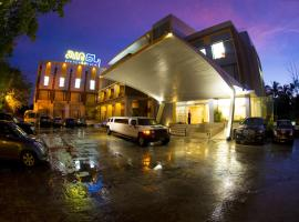 Avenue 64 Hotel