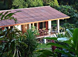 Ceiba Tree Lodge, Nuevo Arenal (Unión yakınında)