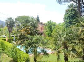 Terrarossa, Lucca (Massa Macinaia yakınında)