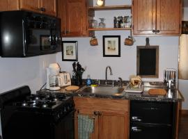 Yellowstone Self Catering Lodging - Adults Only
